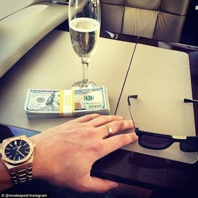 Too Much Money Always Tip Your Private Jet Pilot 10k
